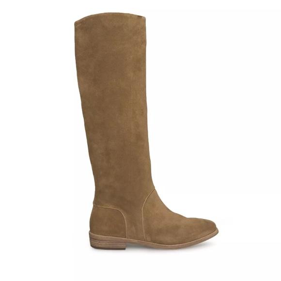 a48c5d6234d Brand new Ugg Gracen Boots